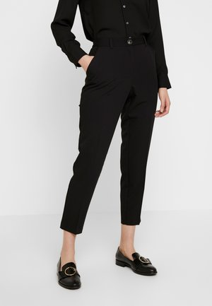 ELASTIC BACK BUTTON DETAIL GRAZER - Pantalon classique - black