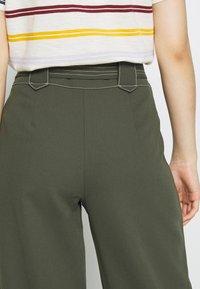 Dorothy Perkins - TROUSER - Pantalones - dark green - 3