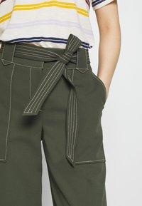 Dorothy Perkins - TROUSER - Pantalones - dark green - 5