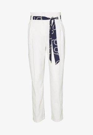 PRINTED TIE TROUSER - Spodnie materiałowe - ivory