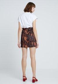 Dorothy Perkins - SNAKE TIE WAIST - Mini skirt - brown - 2