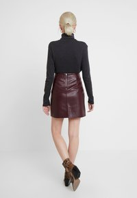 Dorothy Perkins - SEAM DETAIL SKIRT - A-line skirt - purple - 2