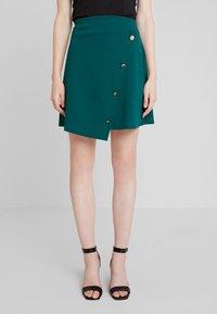 Dorothy Perkins - BUTTON WRAP SKIRT - Áčková sukně - green - 0