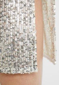 Dorothy Perkins - SEQUIN - Pencil skirt - silver - 4