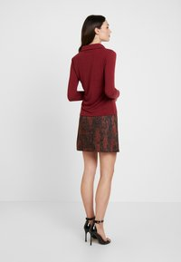 Dorothy Perkins - SNAKE SKIRT - A-linjekjol - black/brown - 2