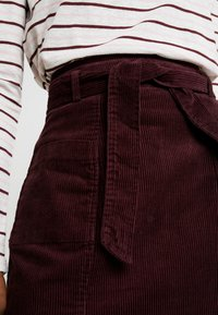 Dorothy Perkins - LOLA SKYE PAPERBAG SKIRT - A-line skirt - oxblood - 5