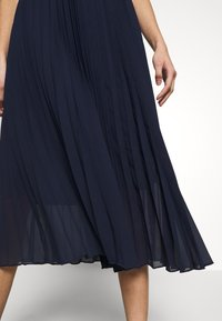 Dorothy Perkins - PLEAT MIDI SKIRT - A-Linien-Rock - navy - 3
