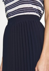 Dorothy Perkins - PLEAT MIDI SKIRT - A-Linien-Rock - navy - 5