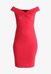 Dorothy Perkins - BARDOT TWIST PENCIL - Vestido de tubo - red - 4