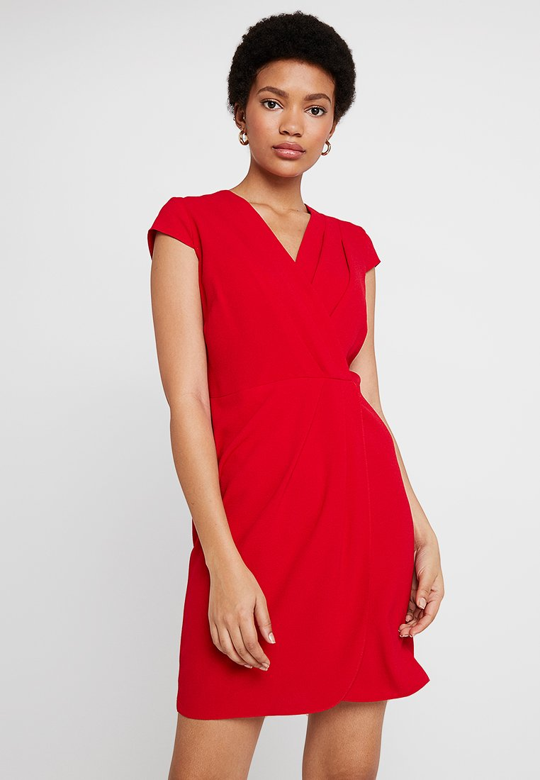 Dorothy Perkins - PLEATED FRONT DRESS - Freizeitkleid - red