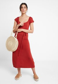 Dorothy Perkins - NECK PLAIN  - Maxikjoler - terracotta - 1