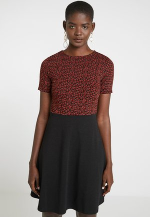 RUST JACQUARD - Jersey dress - rust