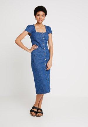BUTTON FRONT SQAURE NECK DRESS - Robe en jean - denim