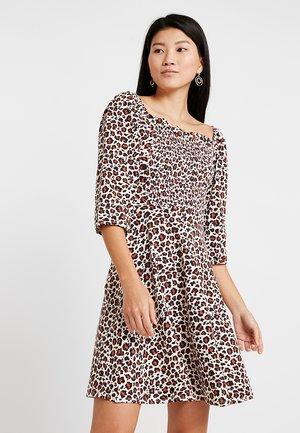 FLORAL GYPSY SHIRRED DRESS - Jersey dress - cream