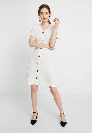 BUTTON - Strikket kjole - cream