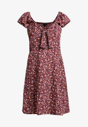 TIE FRONT DRESS - Denní šaty - burgundy