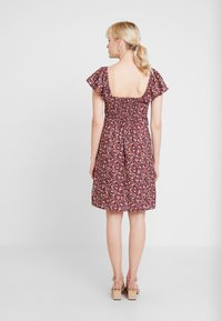 Dorothy Perkins - TIE FRONT DRESS - Vestido informal - burgundy - 3