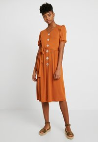 Dorothy Perkins - MOTHER OF PEARL BUTTON MIDI - Jersey dress - rust - 0