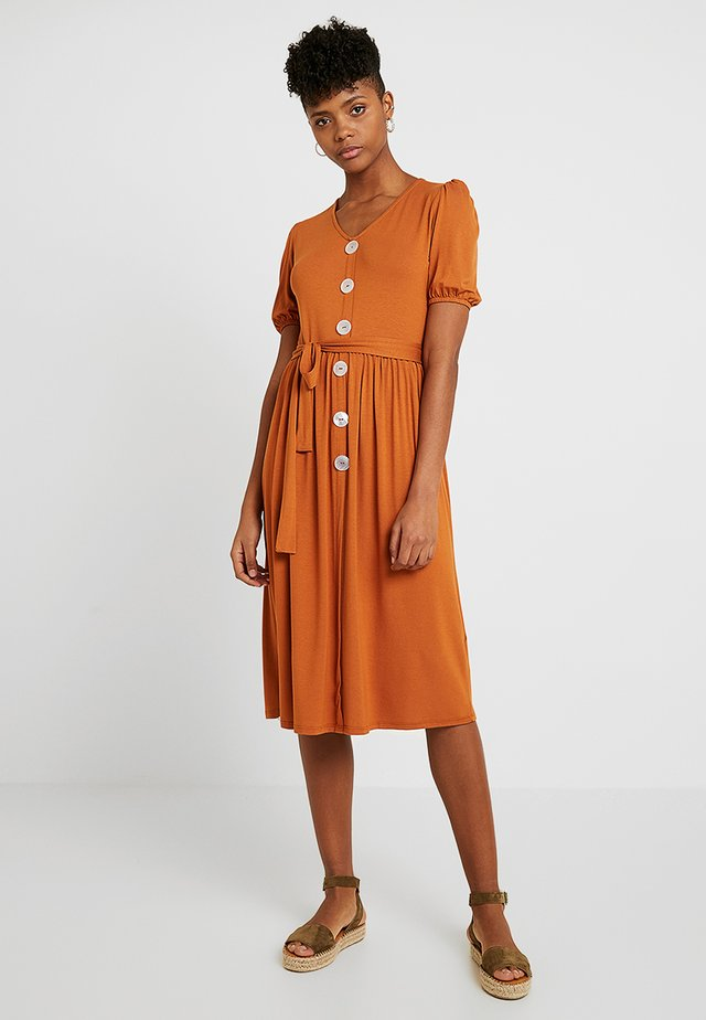 MOTHER OF PEARL BUTTON MIDI - Jersey dress - rust