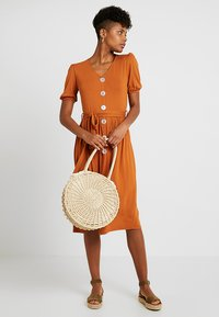 Dorothy Perkins - MOTHER OF PEARL BUTTON MIDI - Jersey dress - rust - 1