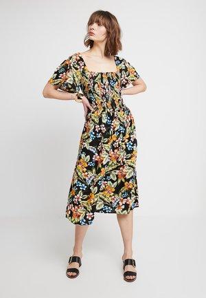 SPOT FLUTTER SLEEVE DRESS - Denní šaty - black