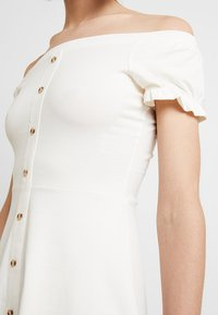 Dorothy Perkins - BARDOT - Žerzejové šaty - ivory - 5