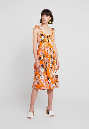CRINKLE DRESS - Korte jurk - orange
