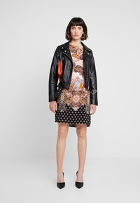 Dorothy Perkins - PAISLEY SHIFT - Korte jurk - orange - 1