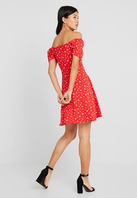Dorothy Perkins - DITSY SCOOP NECK GYPSY DRESS - Robe en jersey - red - 3