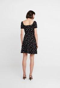 Dorothy Perkins - DITSY SCOOP NECK GYPSY DRESS - Denní šaty - black - 2
