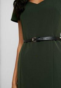 Dorothy Perkins - NECKLINE ROUCHED SLEEVE DAMSON - Robe fourreau - green - 4