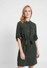 Dorothy Perkins - SHIRT DRESS - Abito a camicia - khaki - 0