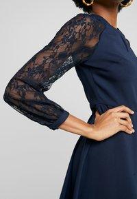 Dorothy Perkins - LACE SLEEVE FIT AND FLARE DRESS - Sukienka letnia - navy - 6