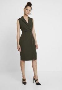 Dorothy Perkins - WRAP TUX SLEEVELESS DRESS - Shift dress - green - 0