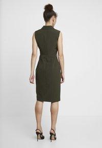 Dorothy Perkins - WRAP TUX SLEEVELESS DRESS - Shift dress - green - 2