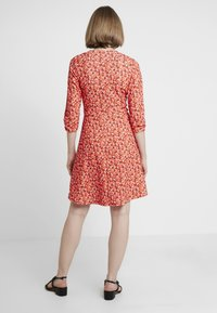 Dorothy Perkins - RUCHED SLEEVE SKATER DRESS - Trikoomekko - red - 3