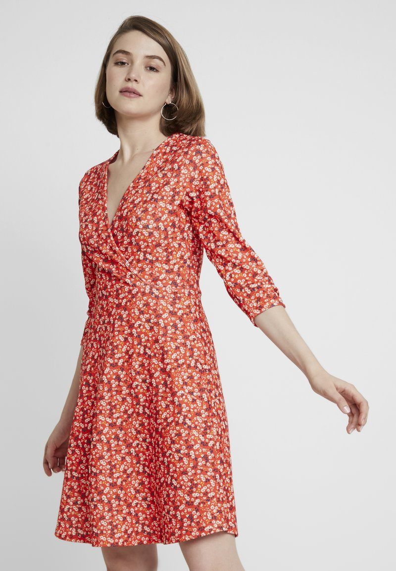 Dorothy Perkins - RUCHED SLEEVE SKATER DRESS - Jerseykjole - red