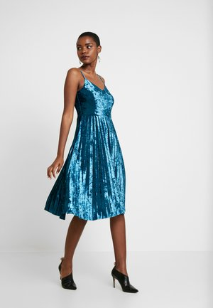 CAMI CRUSHED PLEATED MIDI DRESS - Cocktail dress / Party dress - teal