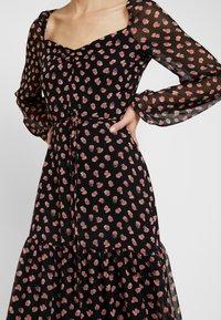 Dorothy Perkins - TIER HEM LONG SLEEVE FLORAL - Robe longue - black - 6