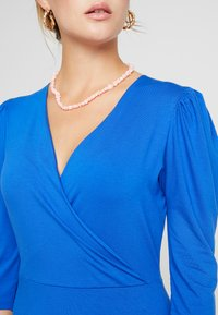 Dorothy Perkins - COBALT PUFF SLEEVE WRAP DRESS - Jersey dress - cobalt - 4