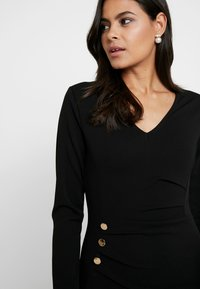 Dorothy Perkins - BUTTON DETAIL BODYCON - Etuikleid - black - 4
