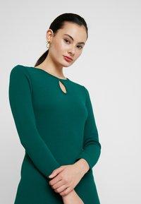 Dorothy Perkins - LONG SLEEVE KEYHOLE BODYCON - Pouzdrové šaty - green - 4