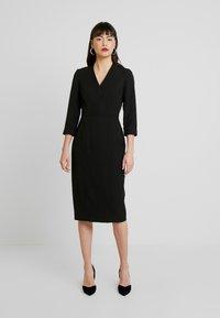 Dorothy Perkins - SLEEVE V NECK DRESS - Pouzdrové šaty - black - 0