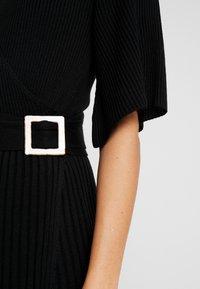 Dorothy Perkins - BELTED SKATER DRESS - Strikket kjole - black - 7