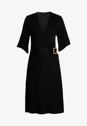 BELTED SKATER DRESS - Sukienka dzianinowa - black