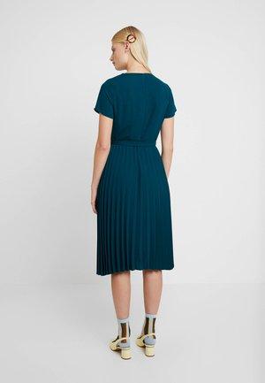 PLEATED MIDI - Day dress - teal