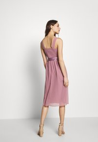 Dorothy Perkins - BETHANY MIDI DRESS - Cocktailkjole - dark rose - 2