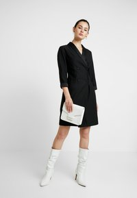 Dorothy Perkins - 3/4 SLEEVE TUX STYLE DRESS - Etuikjoler - black - 1