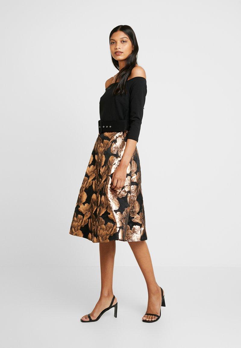 Dorothy Perkins - BARDOT SOLID BODICE BELTED DRESS - Cocktail dress / Party dress - black