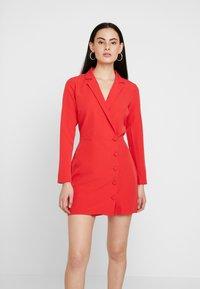 Dorothy Perkins - BLAZER DRESS - Pouzdrové šaty - red - 0